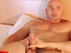 Straight guys do it better: Alexis serviced!