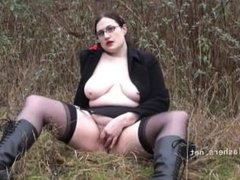 Amateur flasher Alyss outdoors and chubby exhibitionist madster going nude