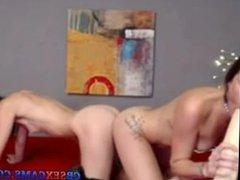 Sexy Lesbians fuck on cam