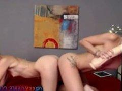 lesbians having fun cbsexcams.com