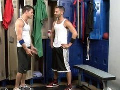 Sexy gay jocks sucking dicks in the locker room