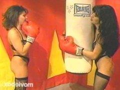 Boxing Bitches, Scene 1