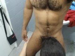 FUCKING BAREBACK AT THE GYM, FOLLANDO EN EL GIMNASIO-PART 4