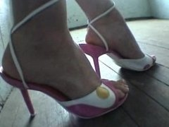 Diamond's pink shoe