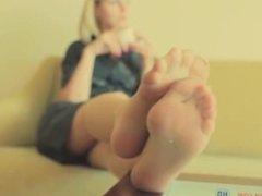 Pantyhose Shoeplay Nylons Feet Dangling