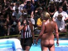 amateur women going at it
