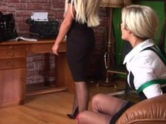 2 blondes at the office 2