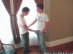 Twink sex Bryce met James online in a converse room and the two met for