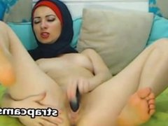 Muslim amateur girl fucks her pussy deep with sex toy