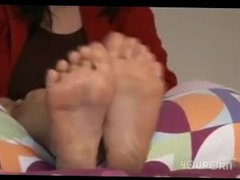 Milf slow massage her feets and toes with oil