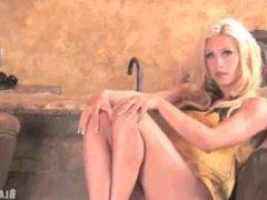 Melyssa Buhl - Hardbody at Bar