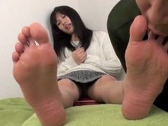 asian foot worship / asian foot fetish / foot slave