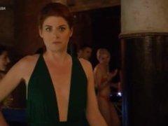 Debra Messing in Detective Laura Diamond s01e01