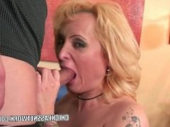 Mature blonde Sophia Mounds gets her pussy filled with cum