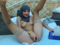 Muslim Girl masturbating