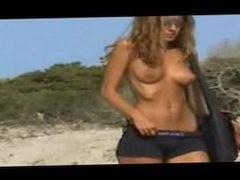 Jennifer Aniston Walks Along The Beach - Tits Out!