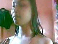 BANGLADESHI - BATHROOM SINGER