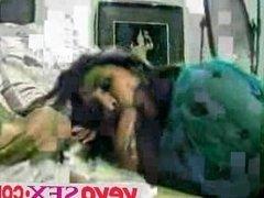 Cute Indian girl loves ro suck cock - vevosex.com