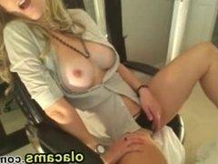 Sexy busty blonde babe masturbate webcam
