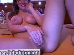 amateur de ensueño desnuda tocandose