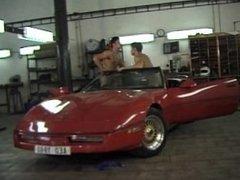 Katarina Martinez gefickt in der Garage