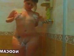 Cam girl washin body & masturbatin at shower