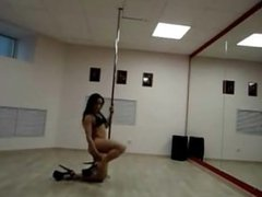 One Of The Sexiest Pole Dancing Strippers Of All Time