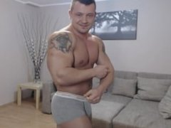 Romanian Bodybuilder Flexing