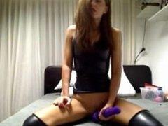 Petite MILF Hitachi Orgasm Webcam - more at Spicy.hol.es
