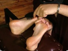 Tickled and oiled soles Roxy