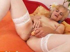 Madam Dominika old fuck hole gaping and masturbation