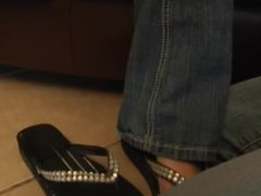 LEA'S MAGIC NECKLACE MAKES PARIS HER FOOT SLAVE (IWANTFEET) (FOOT WORSHIP)