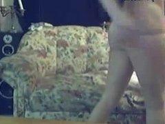 Cute Girl Shows You Her Body - flash-porn.com