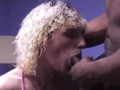 MILF abused by black cock seXXXvideo
