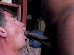 MikeySucksIT FULL VIDEO OF SUCKING MY FIRST BLACK COCK AND TAKING THE CUM