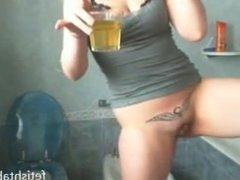 teen drink her own piss on webcam
