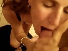 Facial for his milf date from milfsexdating.net