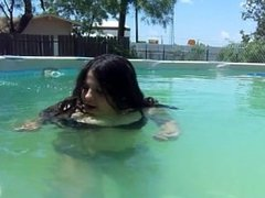 curled hair in freezing pool!