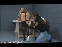 hot blonde finger banged by guard
