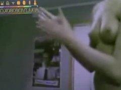 WEBCAM-barbie-blonde-naked-on-webcam by www.x-rated.biz