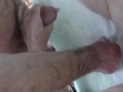 Date from 666dates.com HJ and fingering till cum