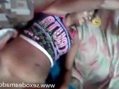 Camarada gozando dentro da buceta da noiada - www.sexodeamadoras.com