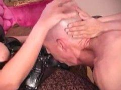 Mistress and Slave ravage a sub