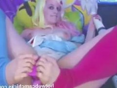 Webcam! Girl uses her feet to fuck her pussy on webcam