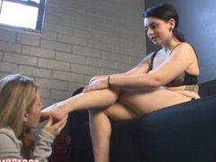 Bare Feet Worship (Lesbian Foot Fetish) (FootDomUnited)