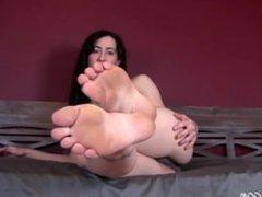 smelly dirty feet