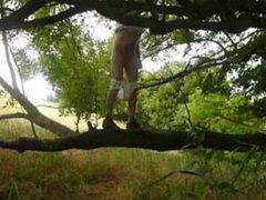 P0377 pornhub Men Unterwaesche klettern draussen nackt Baum 7c8a1 Underwear