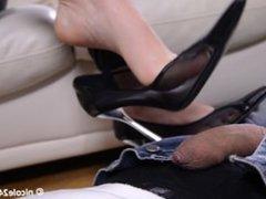 Nicole 24 Black Nails Footjob