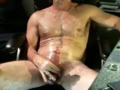 Hung daddy getting off on cam