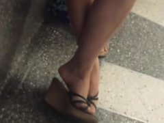 Candid asian shoeplay legs feet at airport - DATES25.COM